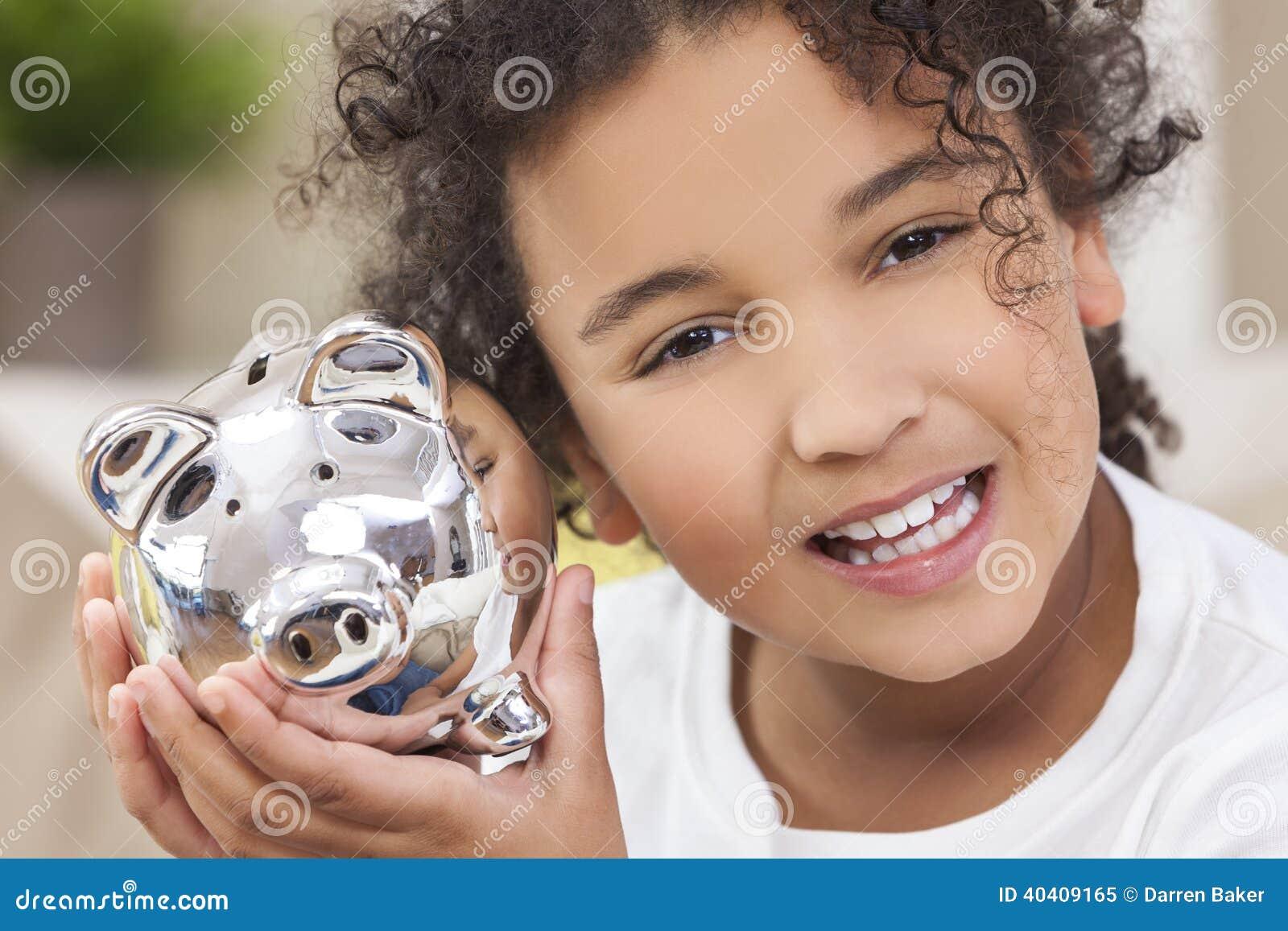 Banco guarro del dinero de los ahorros del niño de la muchacha