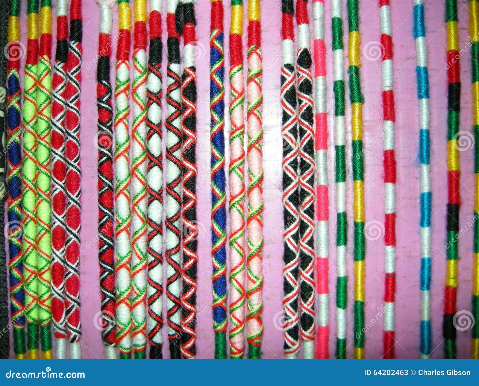 Bandas de muñeca coloridas