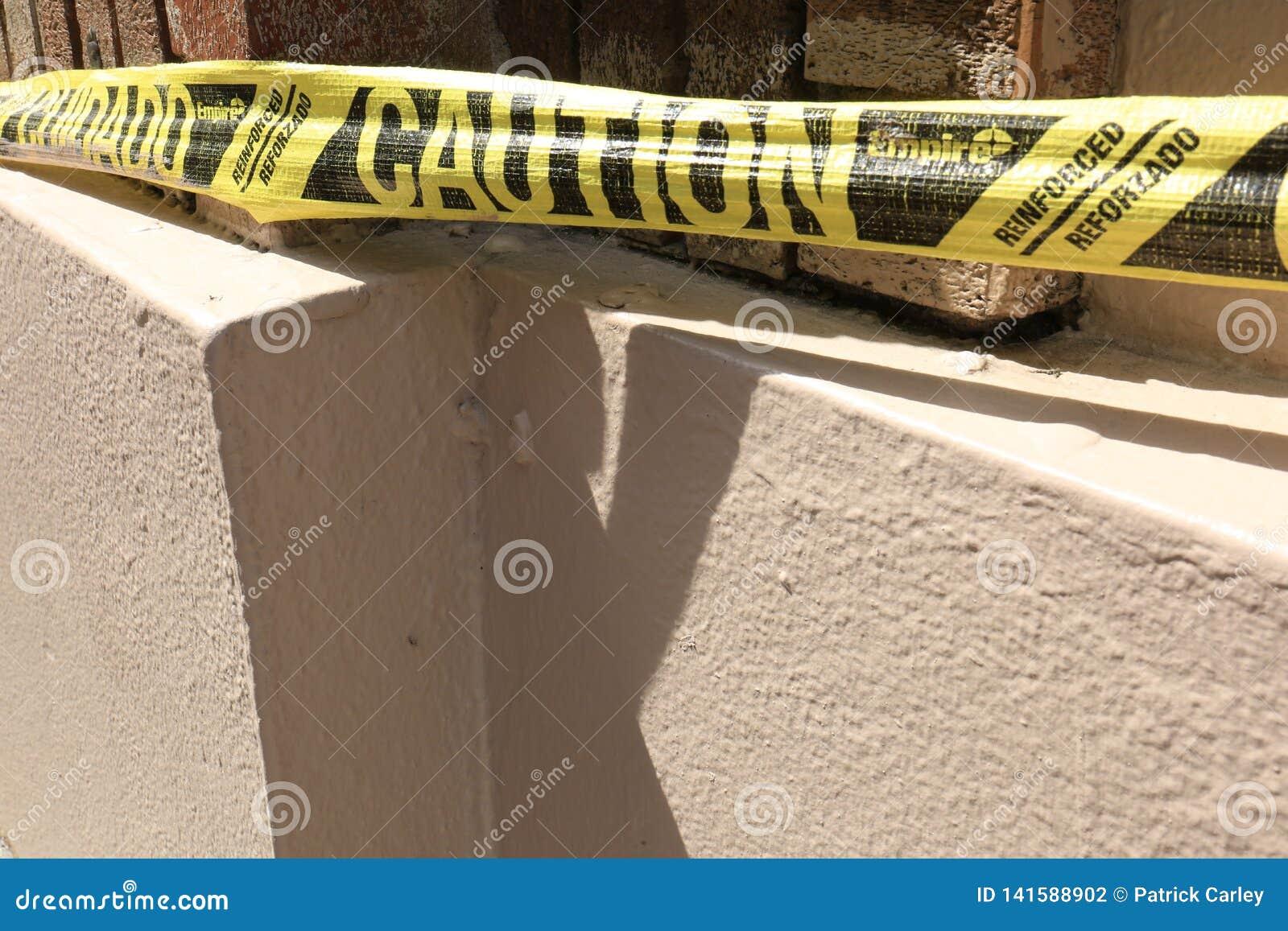 Bande de précaution au chantier de construction