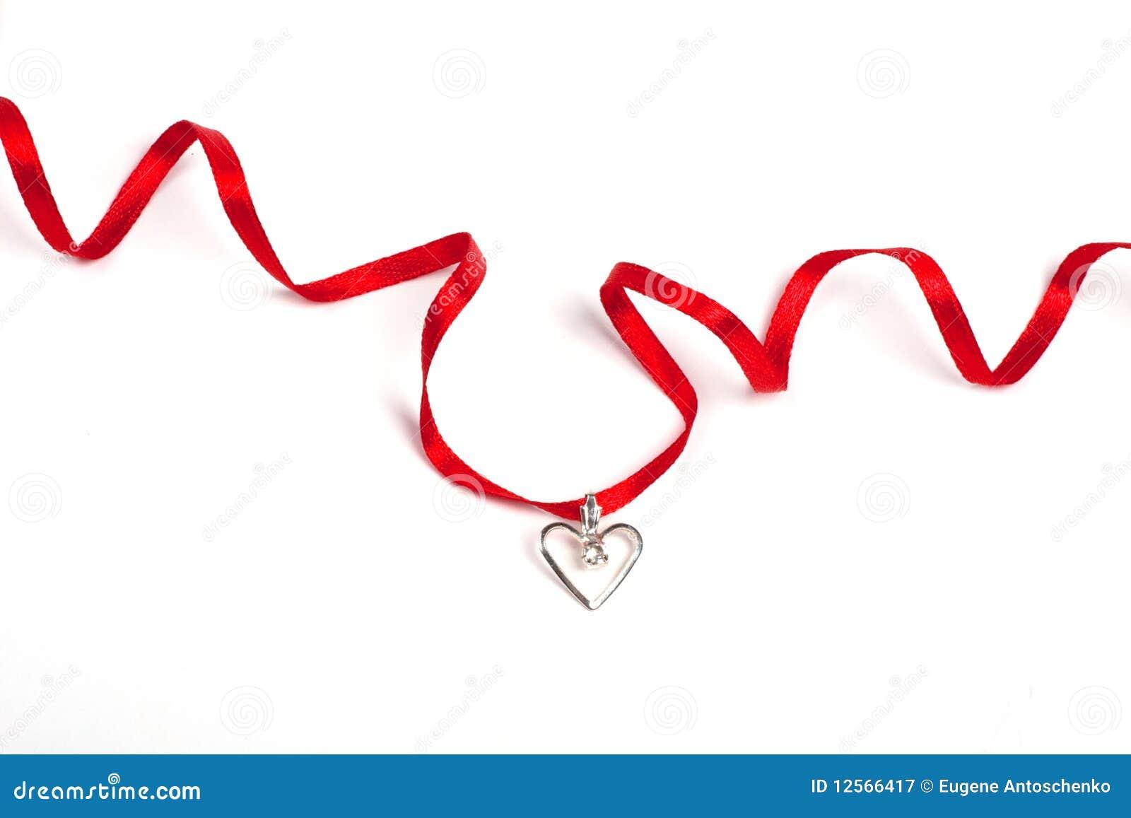 Bande rouge avec le coeur, d isolement