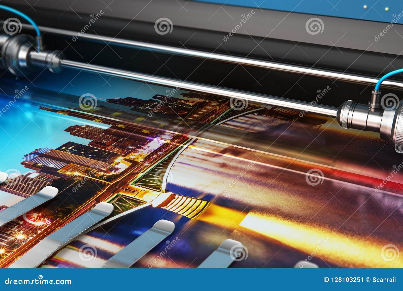 Bandeira da foto da impressão no plotador de cor do grande formato