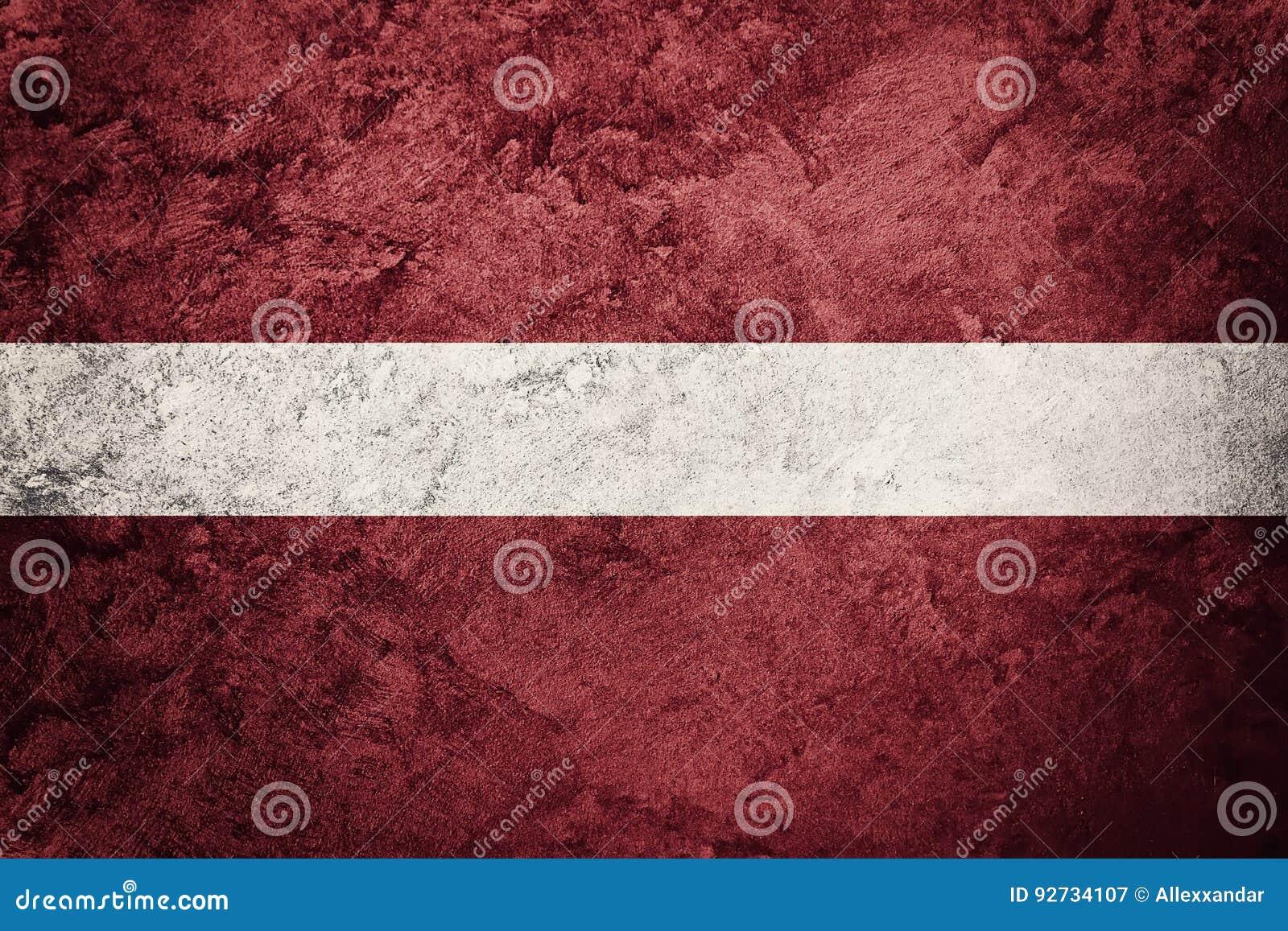 bandeira de grunge latvia bandeira de letónia com textura do grunge