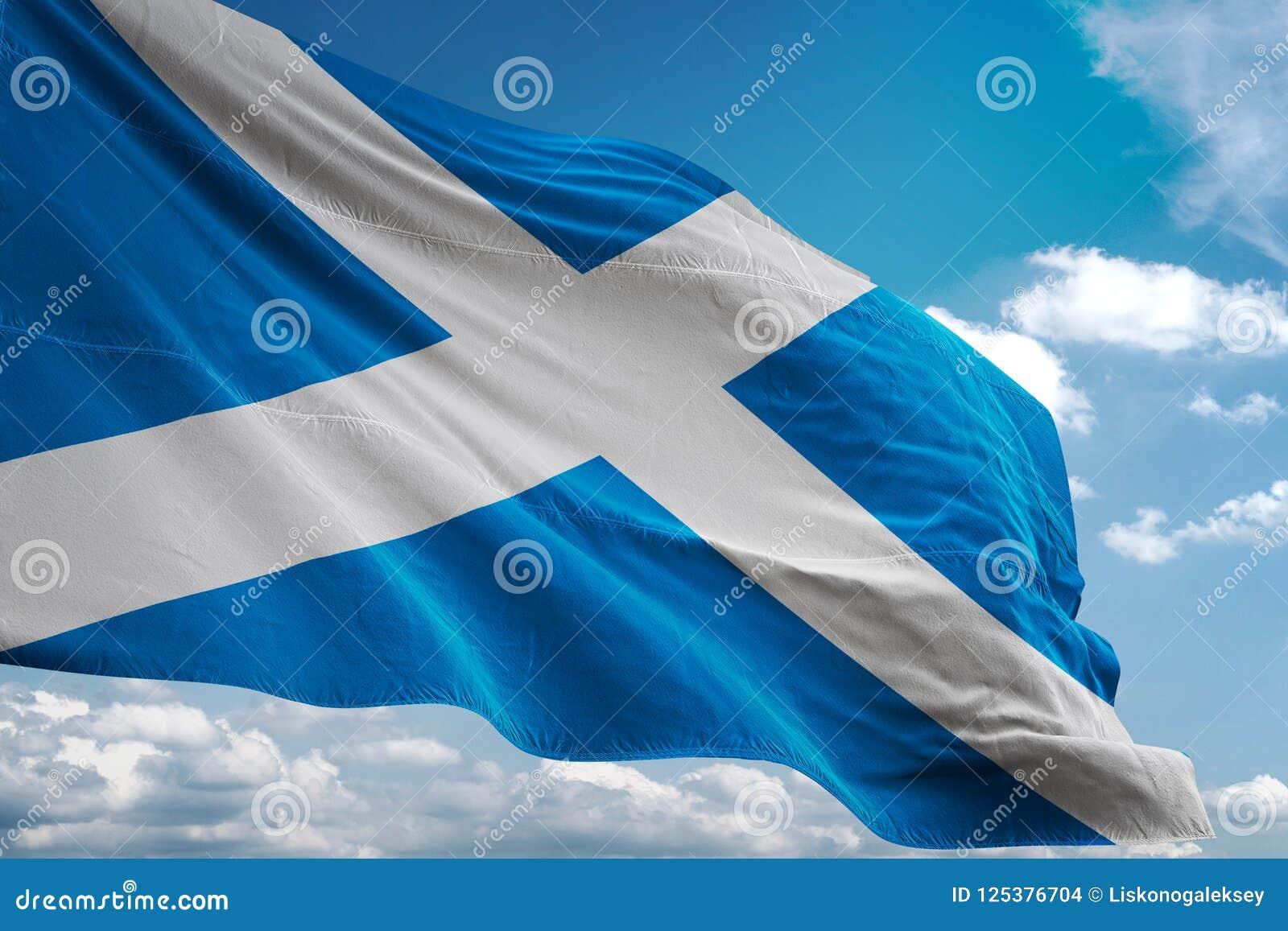 Bandeira nacional de Escócia que acena a ilustração 3d realística do fundo do céu azul
