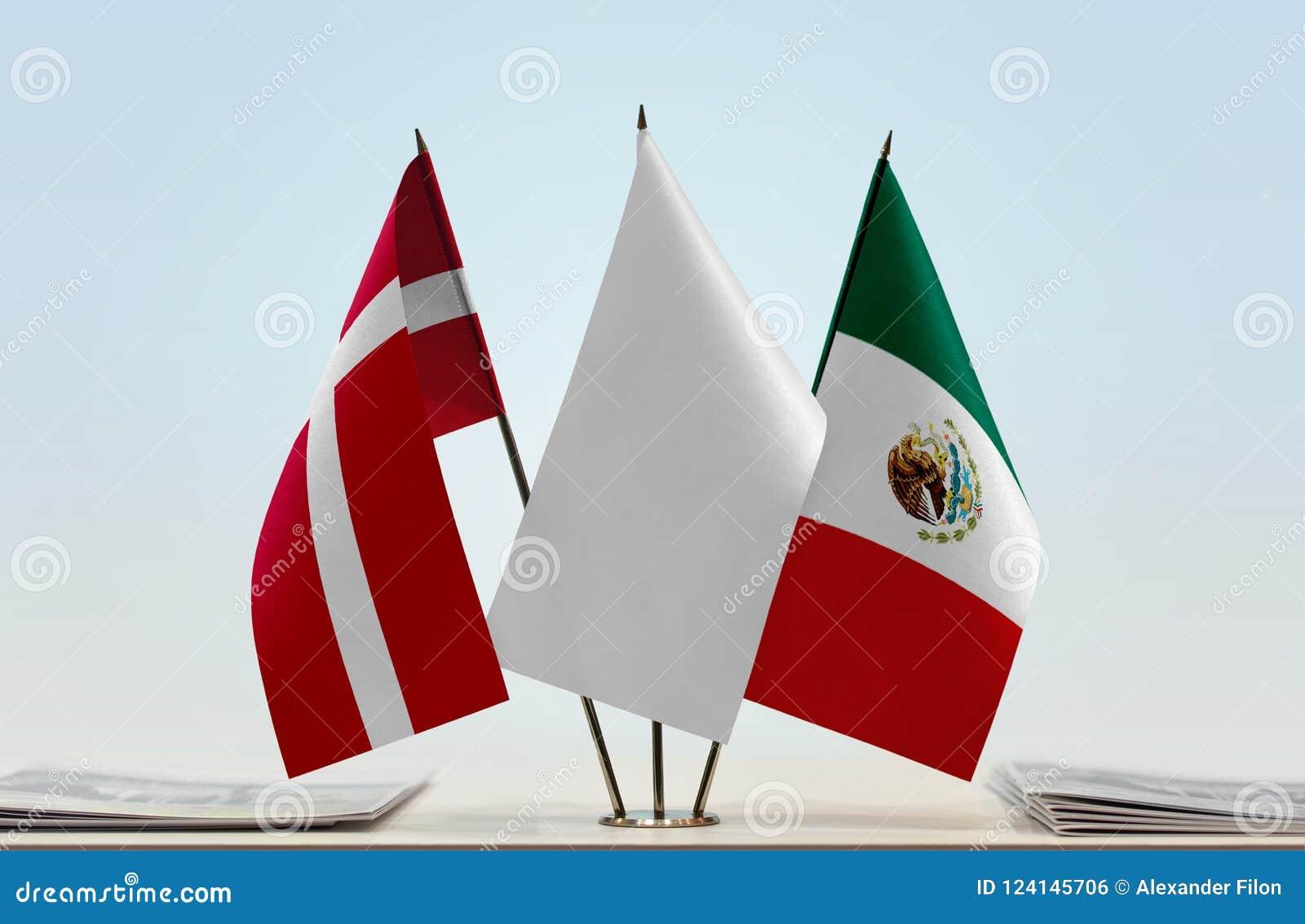 Bandeiras de Dinamarca e de México
