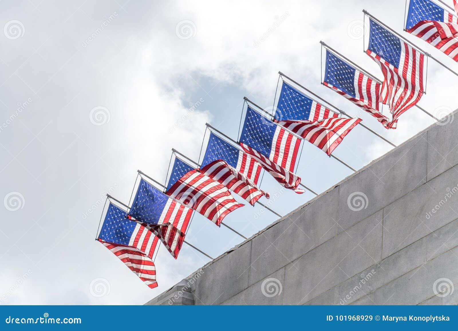 Bandeiras solenes dos EUA