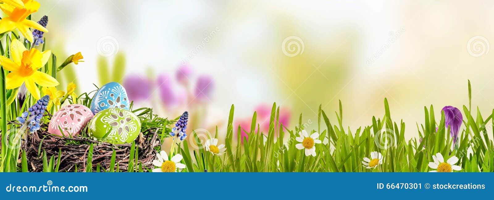 Bandera de la primavera con los huevos de Pascua
