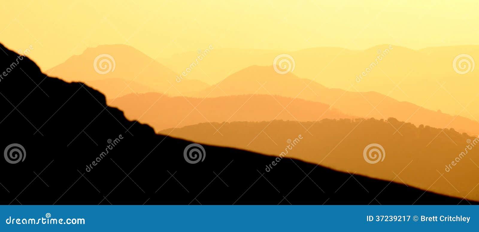 Bandera de oro de las montañas