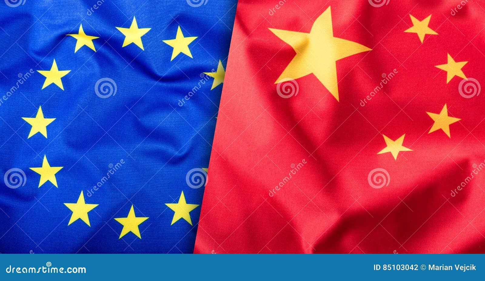 Banderas de la China y de la unión europea Bandera de China y bandera de la UE Estrellas del interior de la bandera Concepto de l