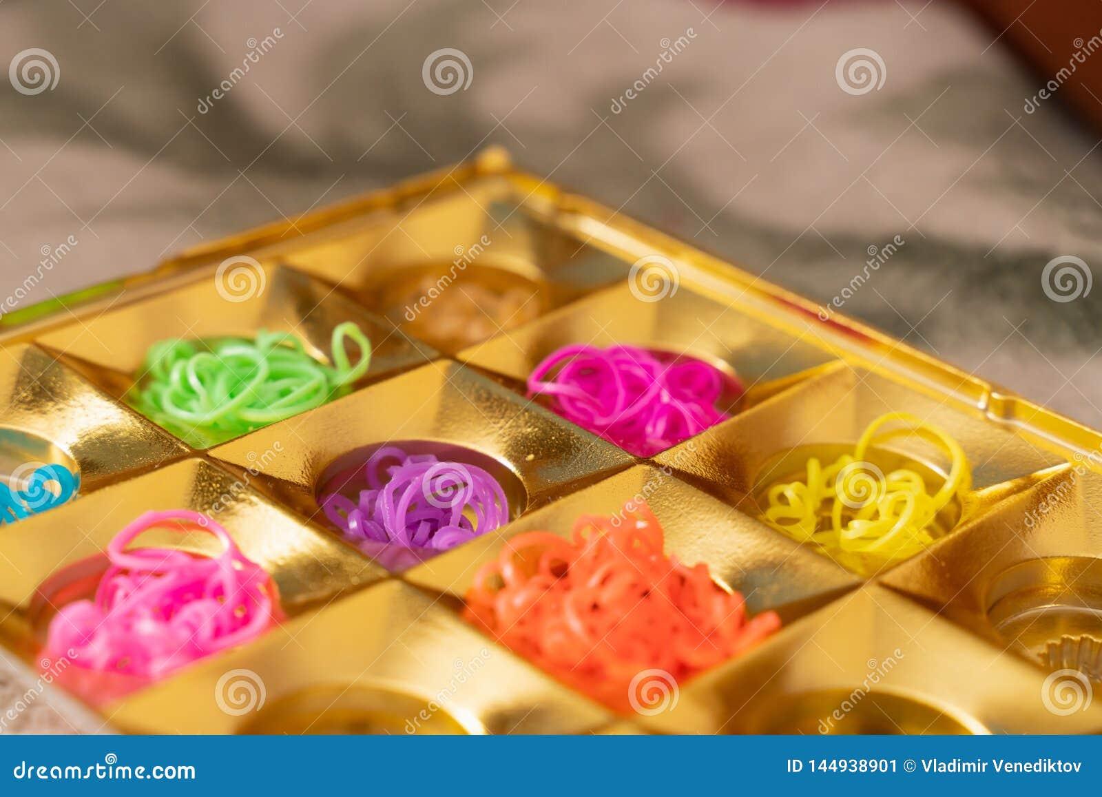 Bandes ?lastiques de silicone dans diff?rentes couleurs pour les bracelets de tressage Cr?ativit? d enfant, passe-temps, fait mai