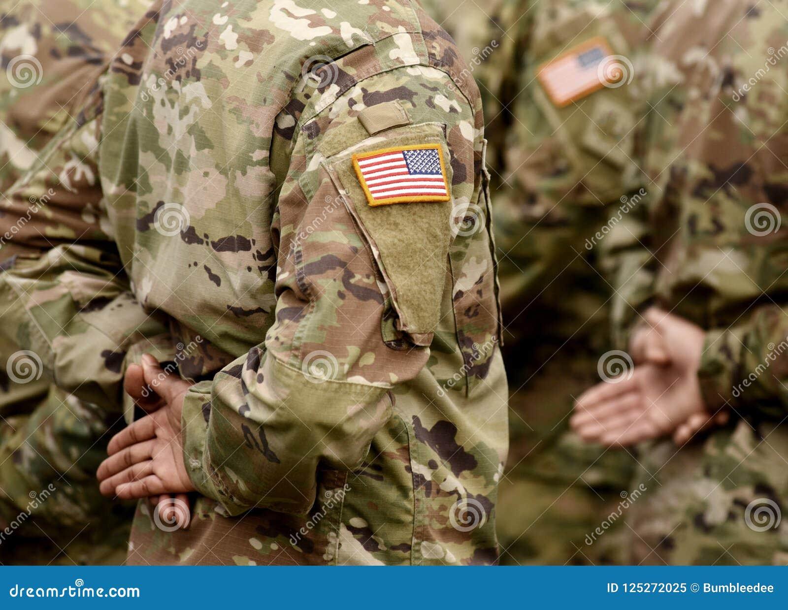 Bandiera della toppa di U.S.A. sul braccio dei soldati Truppe degli Stati Uniti