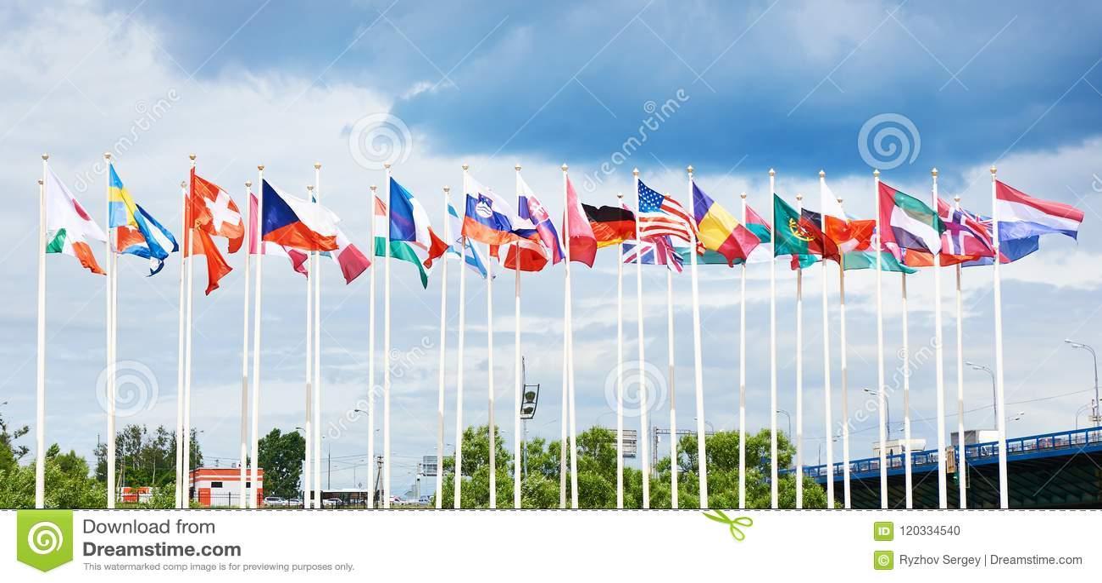 Bandierine dei paesi differenti
