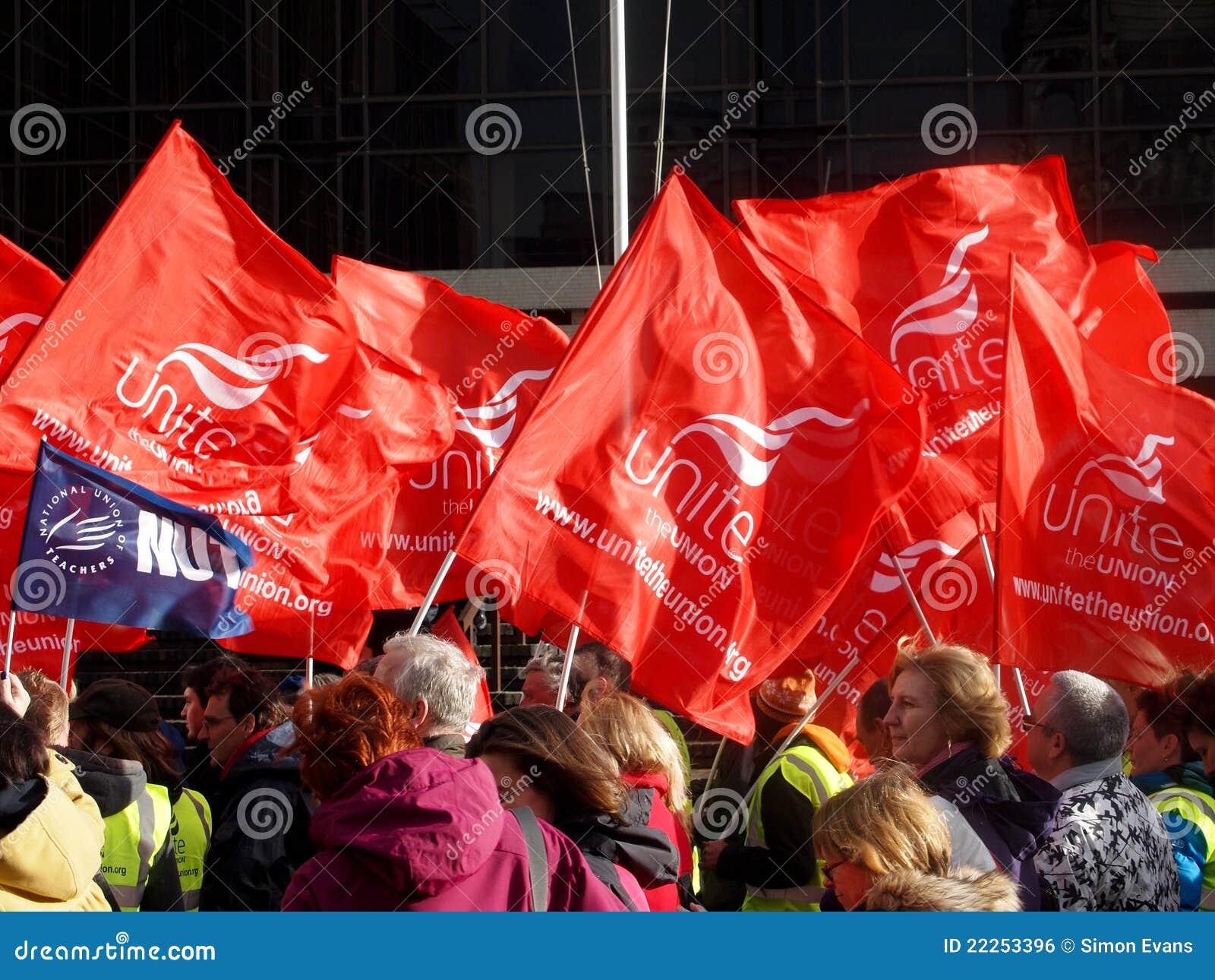 Bandierine del sindacato ad un raduno
