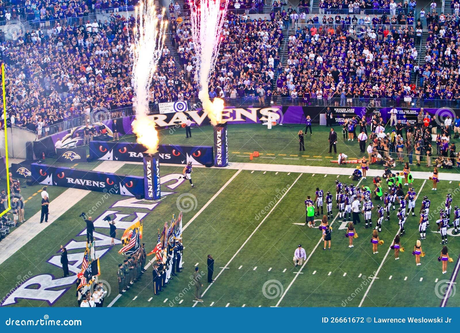 Bandierine, fiamme e fuochi d artificio di gioco del calcio del NFL!
