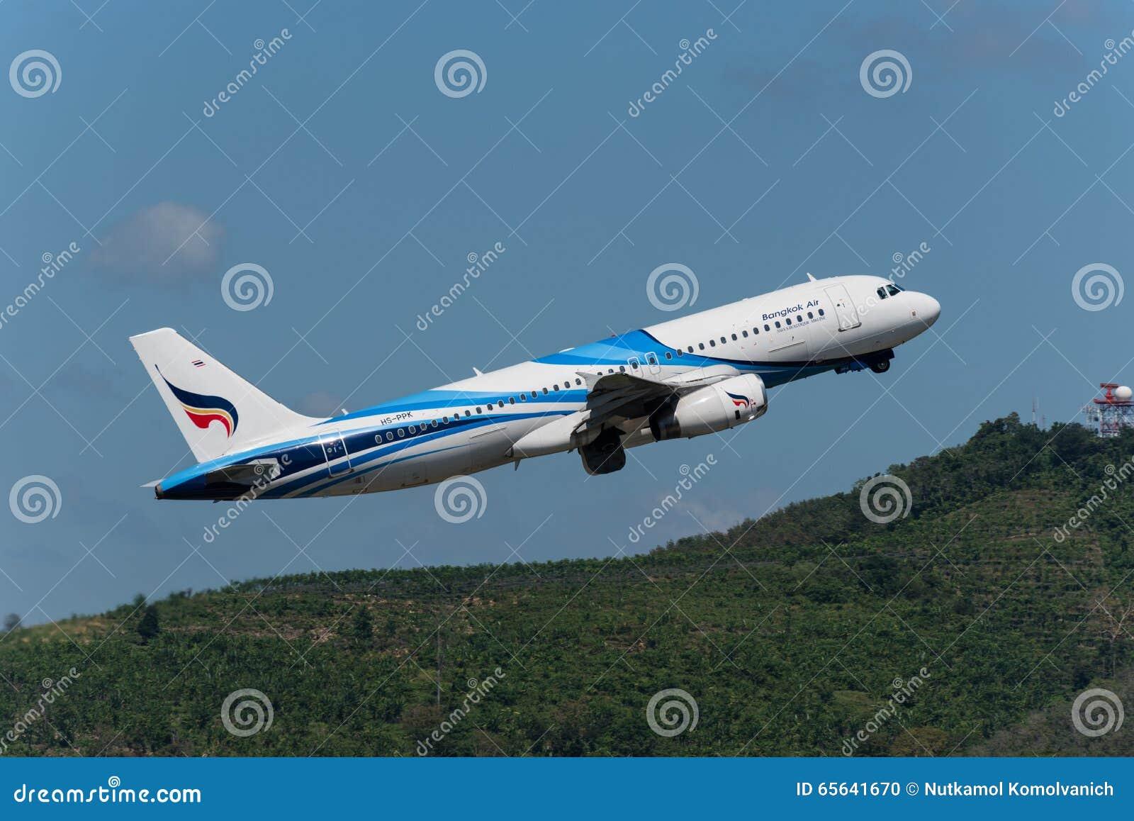 Bangkok Airways décollent à l aéroport de Phuket