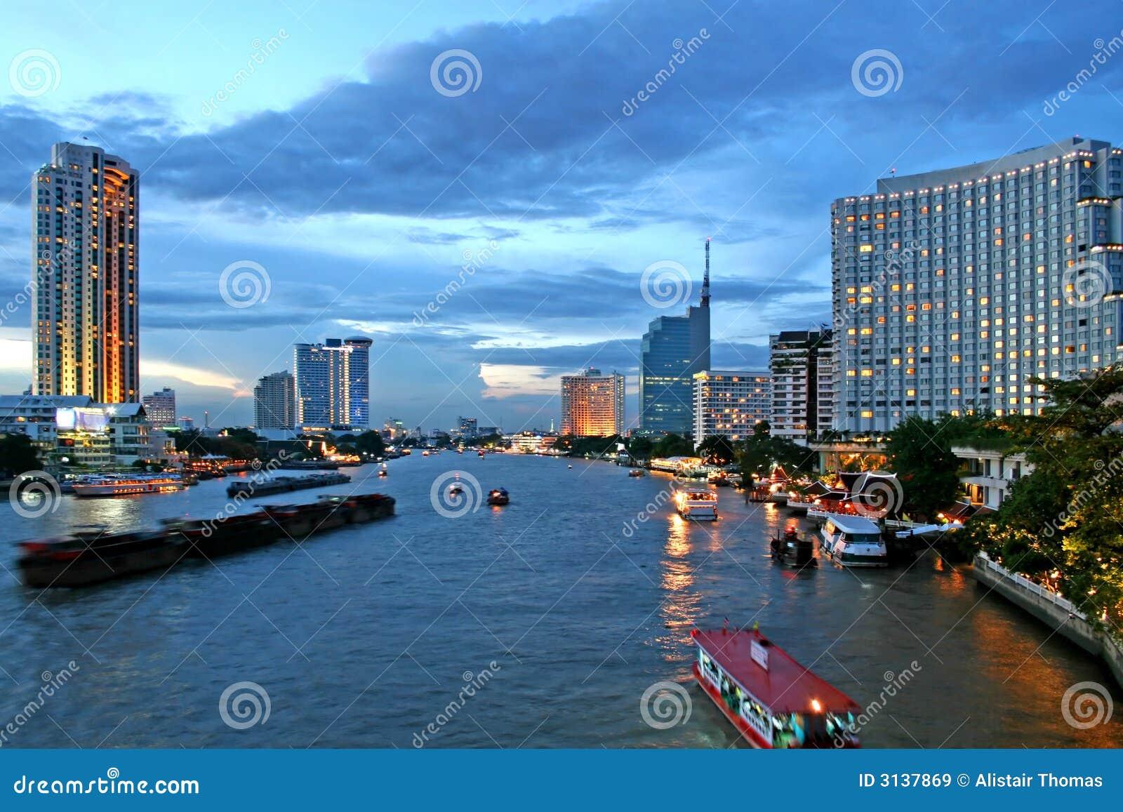 Bangkok al crepuscolo