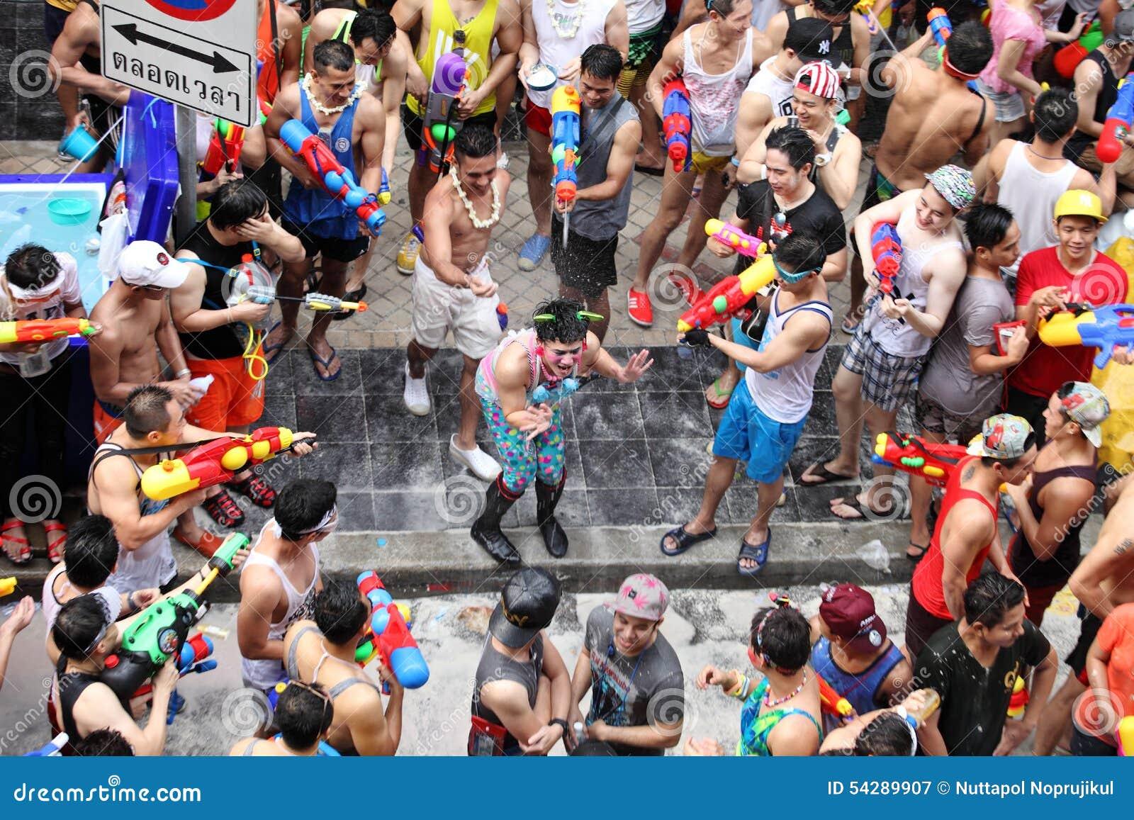 Bangkok 15 aprile: Il festival di Songkran alla strada di Silom, Bangkok, è