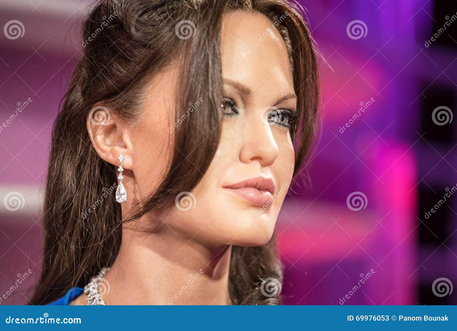BANGKOK - 29 JANUARI: Waxwork van Angelina Jolie op vertoning bij Mevrouw