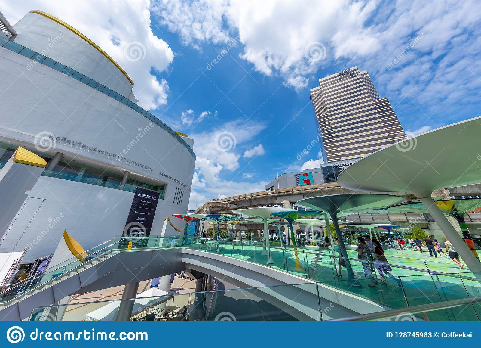 Bangkok-Kunst und Kultur-Mitte ist Reiseplatz- und Öffentlichkeitsstadtgaleriehalle für Künstleranzeigenkünste nahe Siam Discover