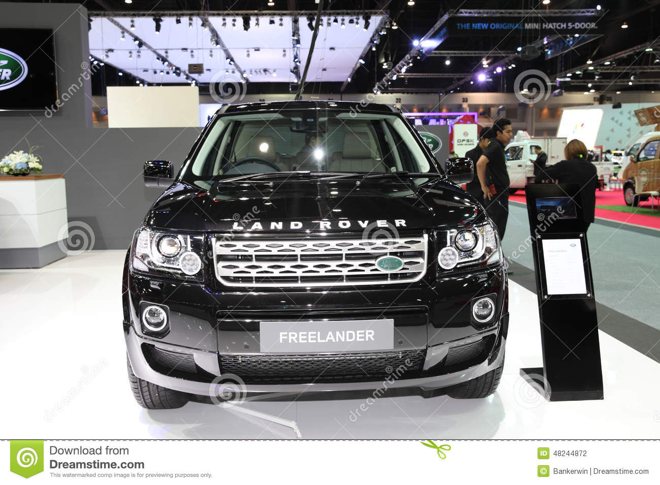 bangkok - november 28: land rover freelander car on display at t