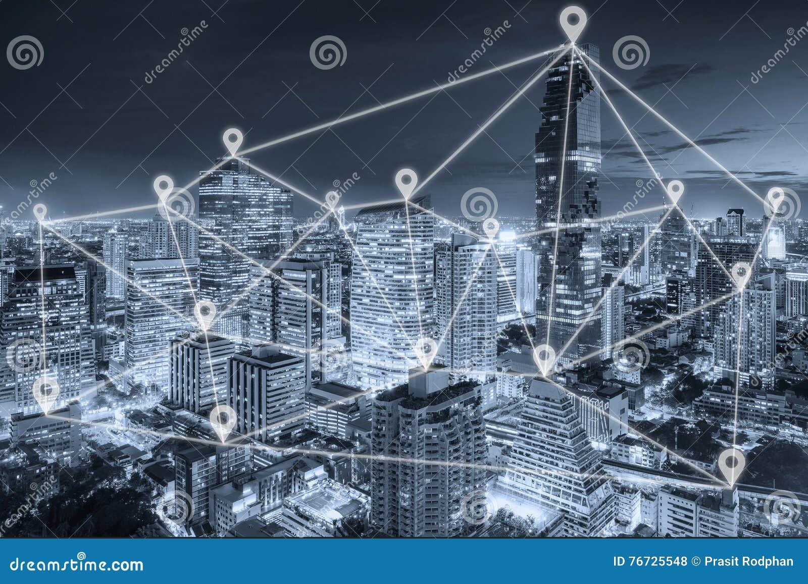 Bangkok sikt i affärsområde med nätverket för översiktsstiftlägenhet