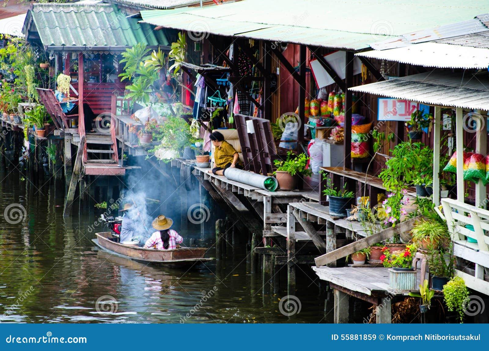 Bangkok, Tailandia: Comunidad de la orilla del canal