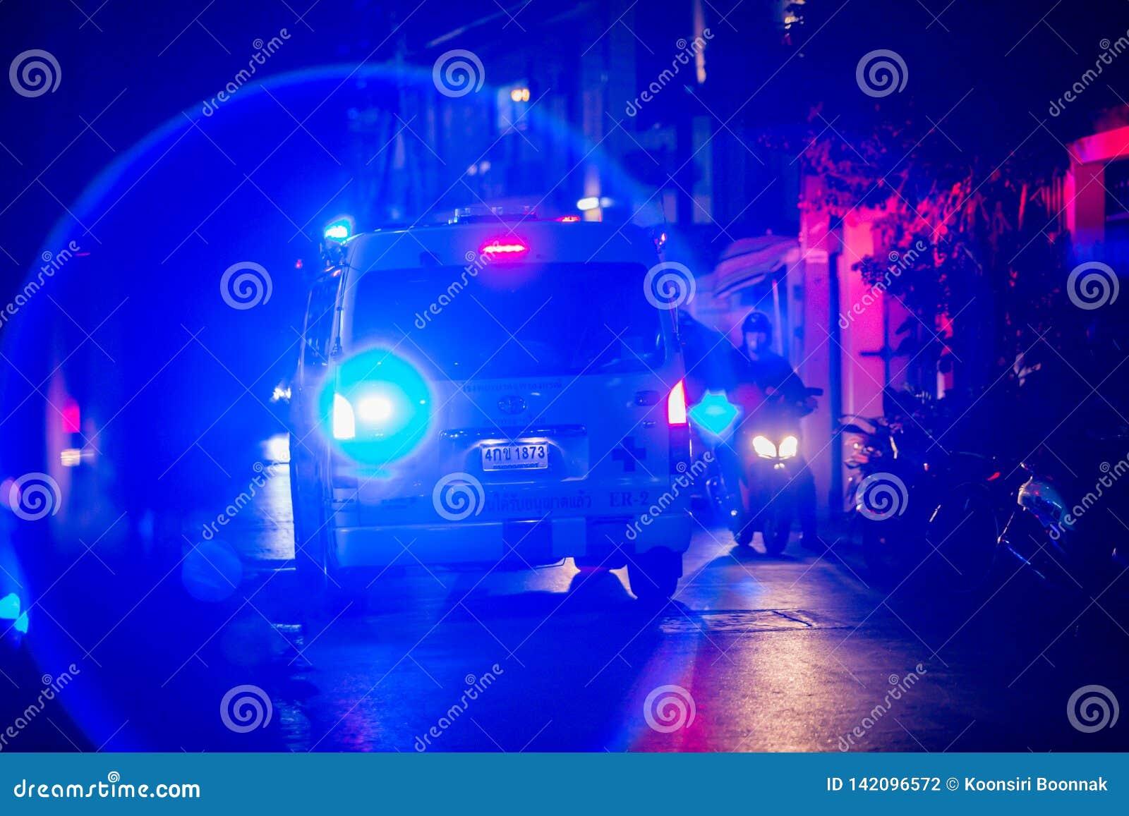Bangkok Tailandia: 15 de marzo de 2019: ruido en la imagen del alumbrado de seguridad en las ambulancias