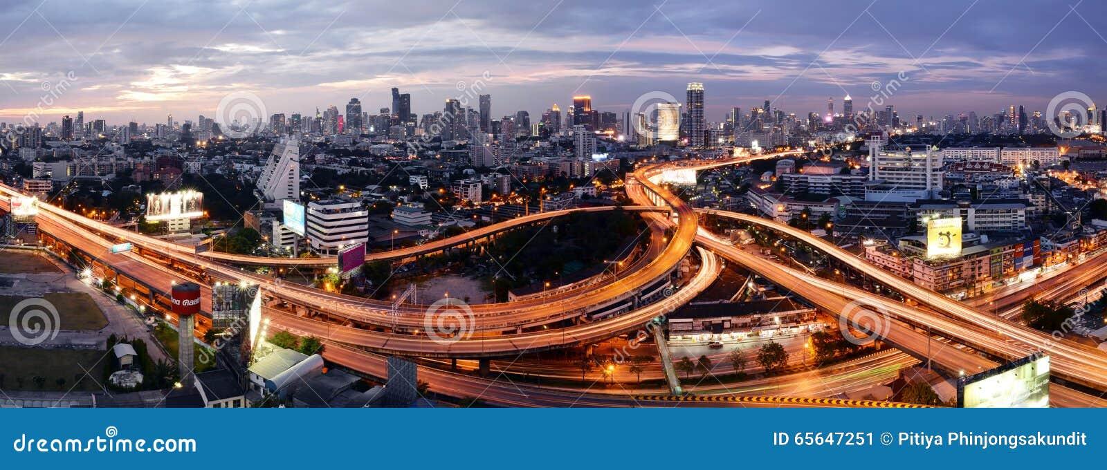 Bangkok, Thaïlande - 16 janvier 2016 : Horizon de Bangkok avec la ville