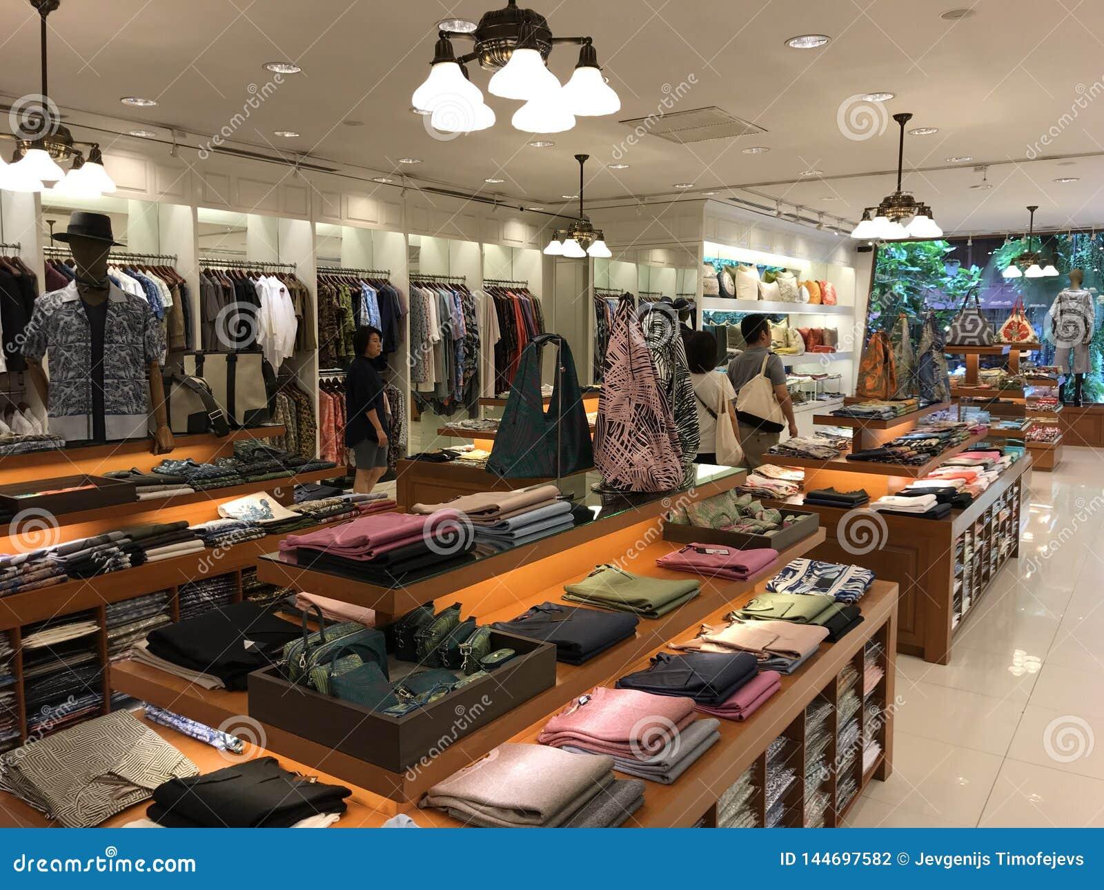 BANGKOK, THAILAND - 16. APRIL 2018: Jim Thompson-Geschäft in seinem Haus offen für Touristen