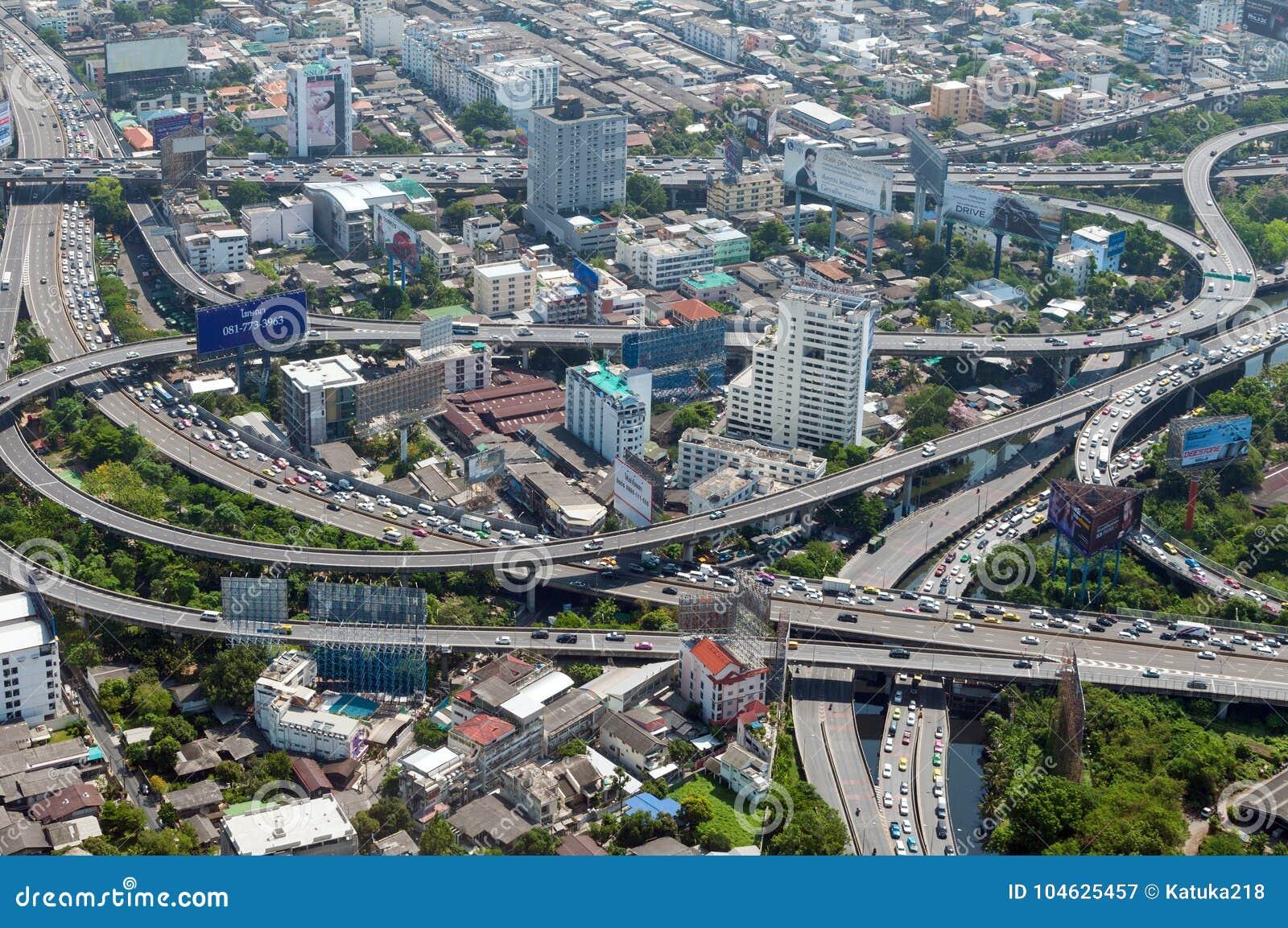 Download BANGKOK, THAILAND - APRIL 21, 2017: Opstoppingen In De Ochtend, Hoogste Mening, Panaramic Mening Redactionele Fotografie - Afbeelding bestaande uit vervoer, mensen: 104625457