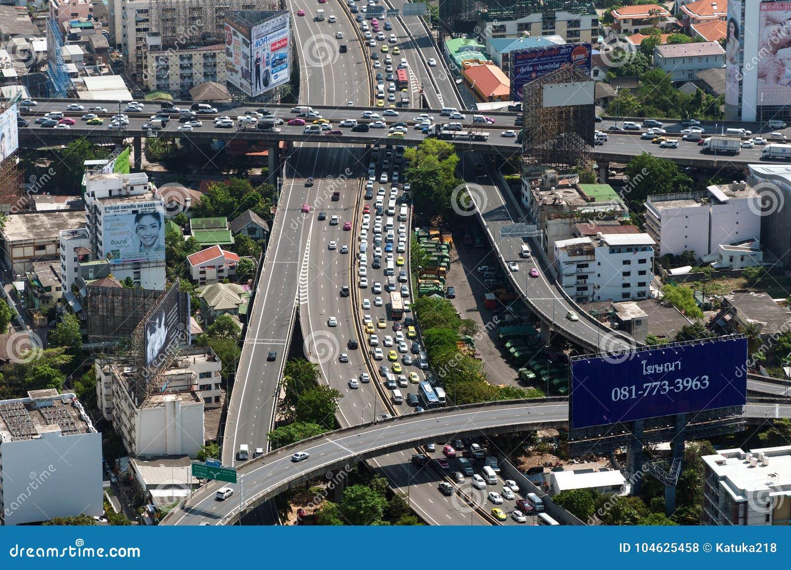 Download BANGKOK, THAILAND - APRIL 21, 2017: Opstoppingen In De Ochtend, Hoogste Mening, Panaramic Mening Redactionele Stock Foto - Afbeelding bestaande uit probleem, verkeer: 104625458