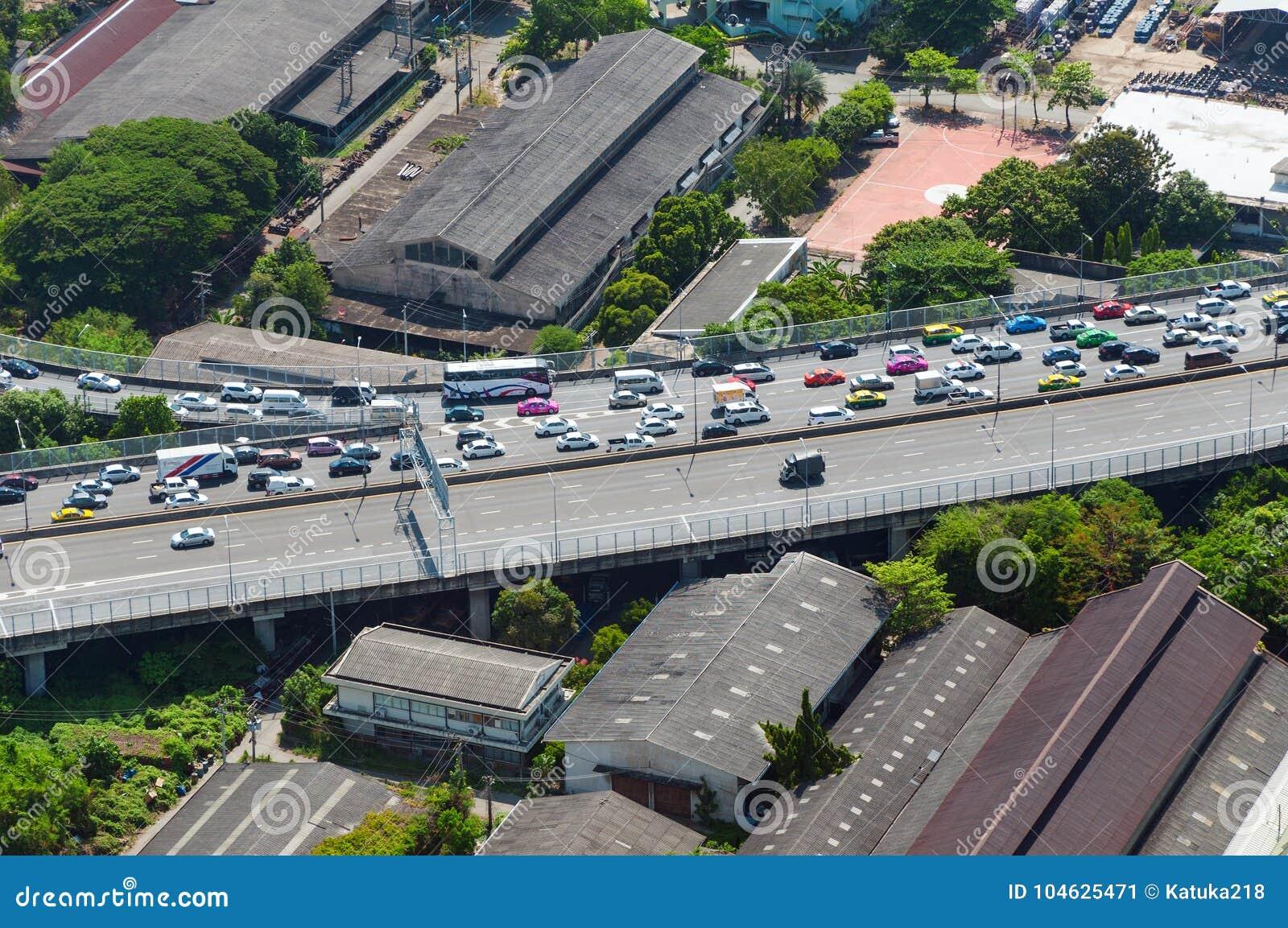 Download BANGKOK, THAILAND - APRIL 21, 2017: Opstoppingen In De Ochtend, Hoogste Mening, Panaramic Mening Redactionele Foto - Afbeelding bestaande uit stad, auto: 104625471