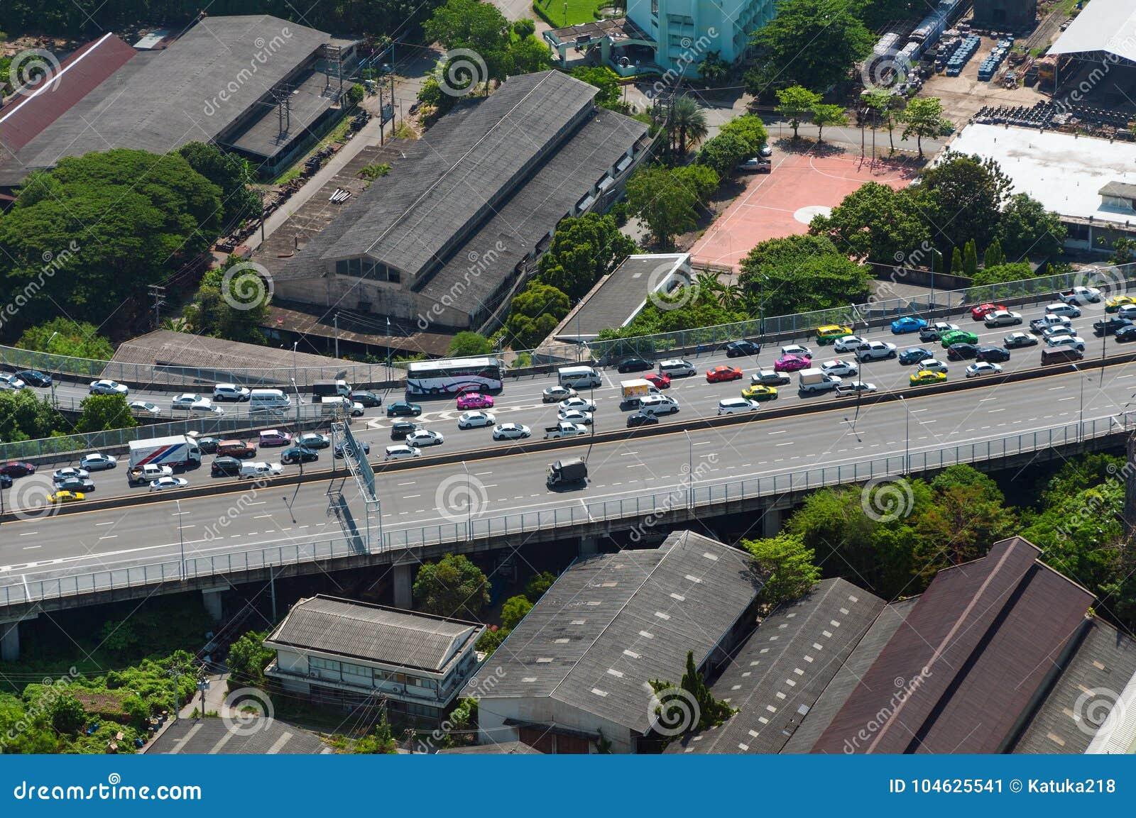 Download BANGKOK, THAILAND - APRIL 21, 2017: Opstoppingen In De Ochtend, Hoogste Mening, Panaramic Mening Redactionele Foto - Afbeelding bestaande uit koolstof, automobiel: 104625541
