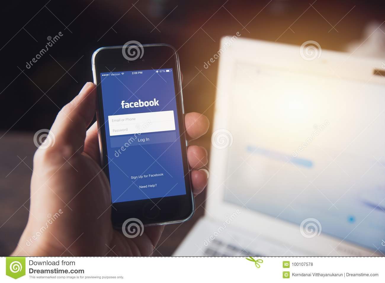 Facebook laptop app download  Facebook For PC (Windows 7, 8