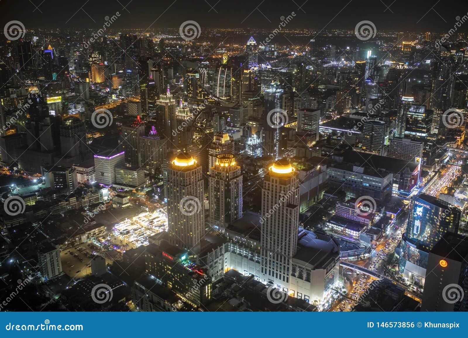 Bangkok Thailand - august21,22018: hohe Winkelsicht von städtischen Skylinen im Herzen von Bangkok-Ansicht von baiyoke Turm frühe