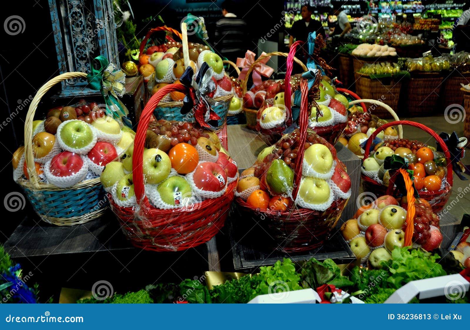 Bangkok, Thailand: Feiertags-Frucht-Geschenk-Körbe Redaktionelles ...