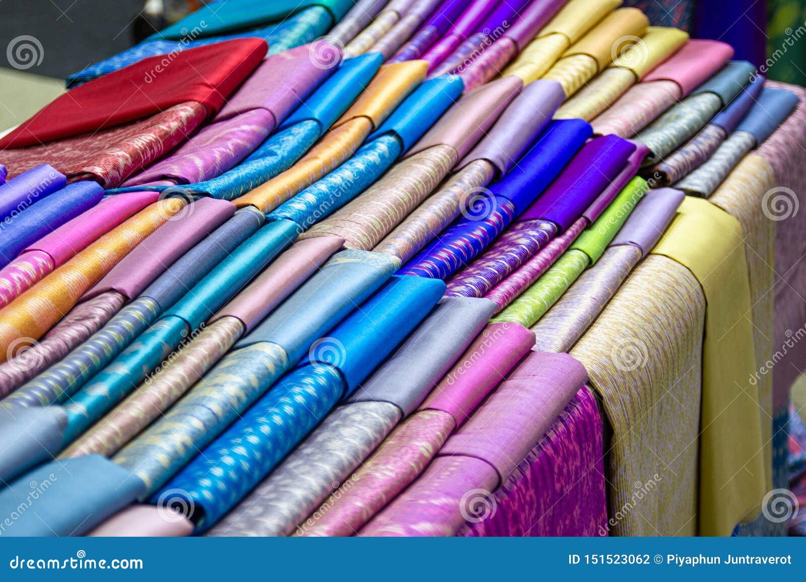Thai Silk Fabric - Handmade Woven Fabrics Of Thai Silk