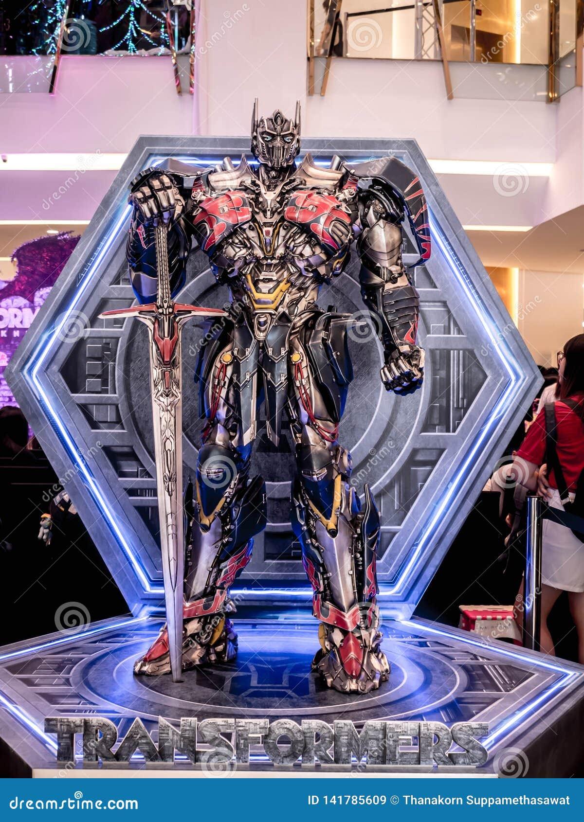 Bangkok Thailand - Juni 15, 2017: Optimus som är främsta från transformatorerna: Den sista riddaren Det är den femte amorteringen