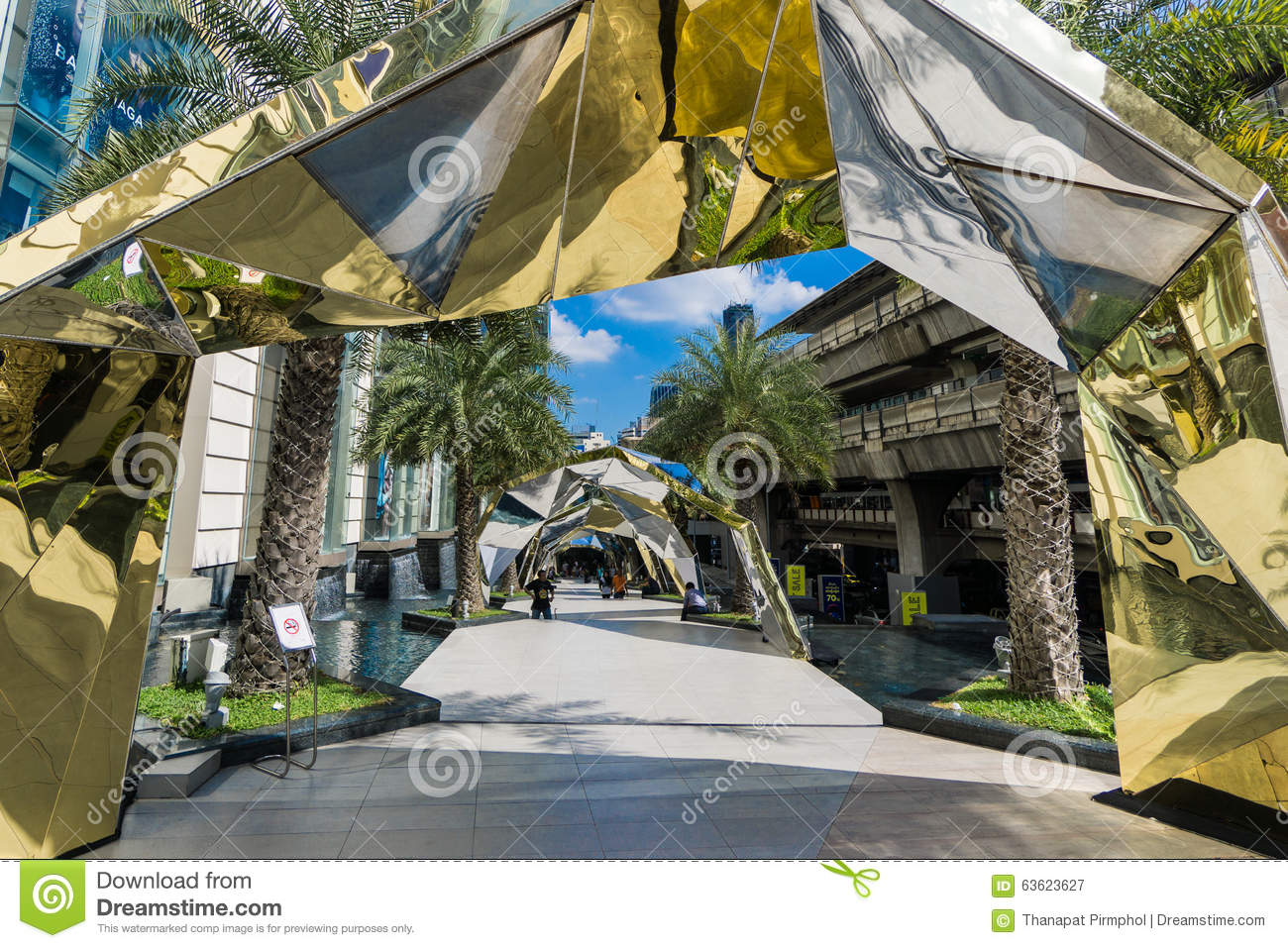 Bangkok, Thailand - 29 November 2015 : The Landscape of Siam Paragon (Luxury Shopping Mall at the Center of Bangkok) decorated for