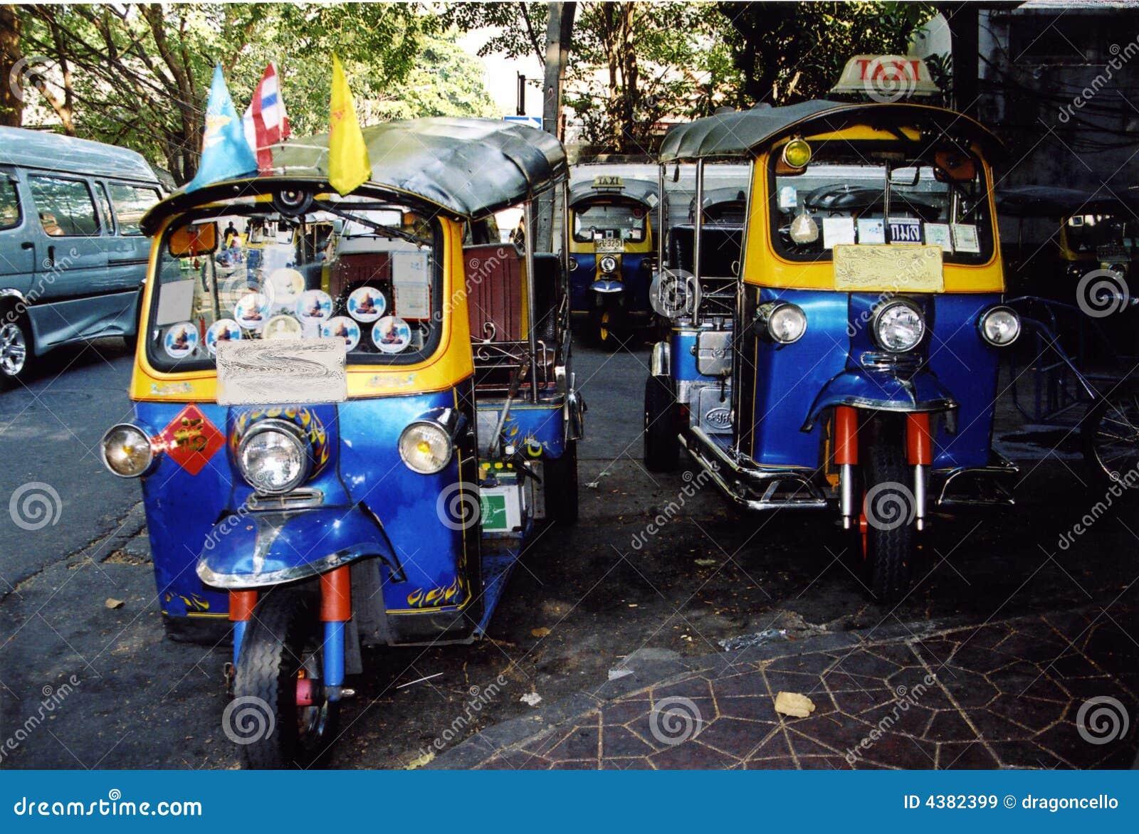 bangkok tuk tuks image stock image du route thailand 4382399. Black Bedroom Furniture Sets. Home Design Ideas