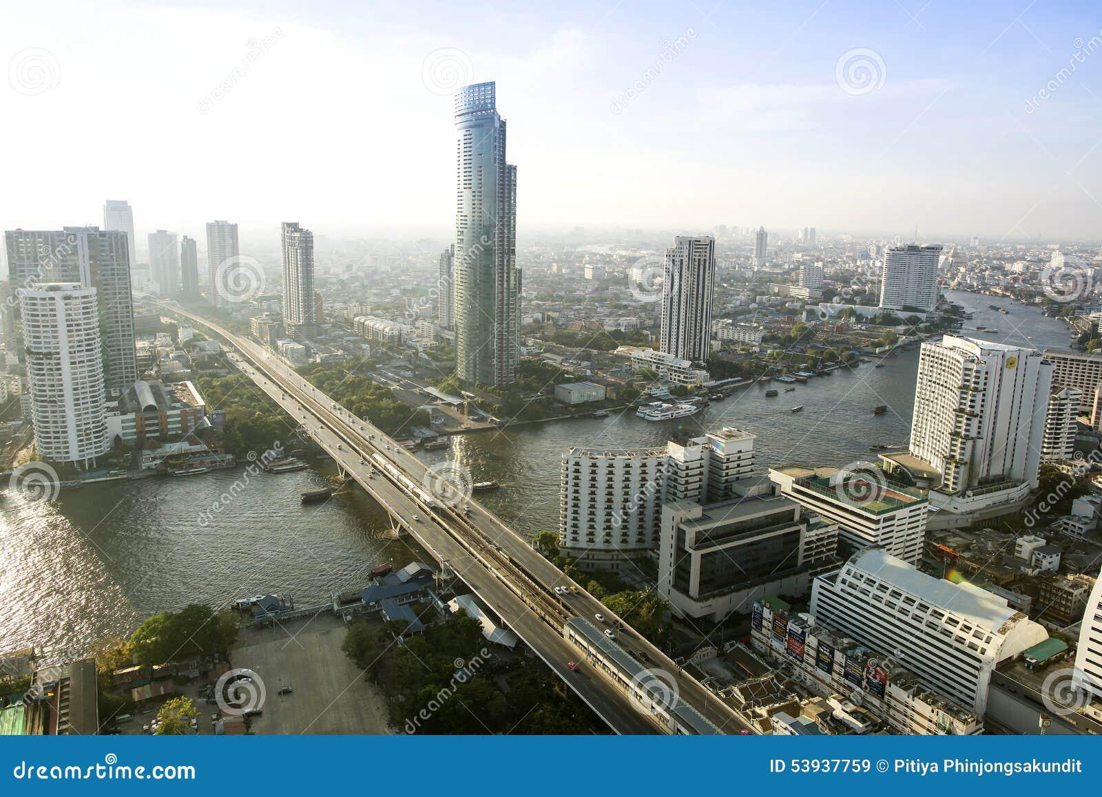 Bangkok ville 5 avril : Ville de vue supérieure le 5 avril 2015 à Bangkok