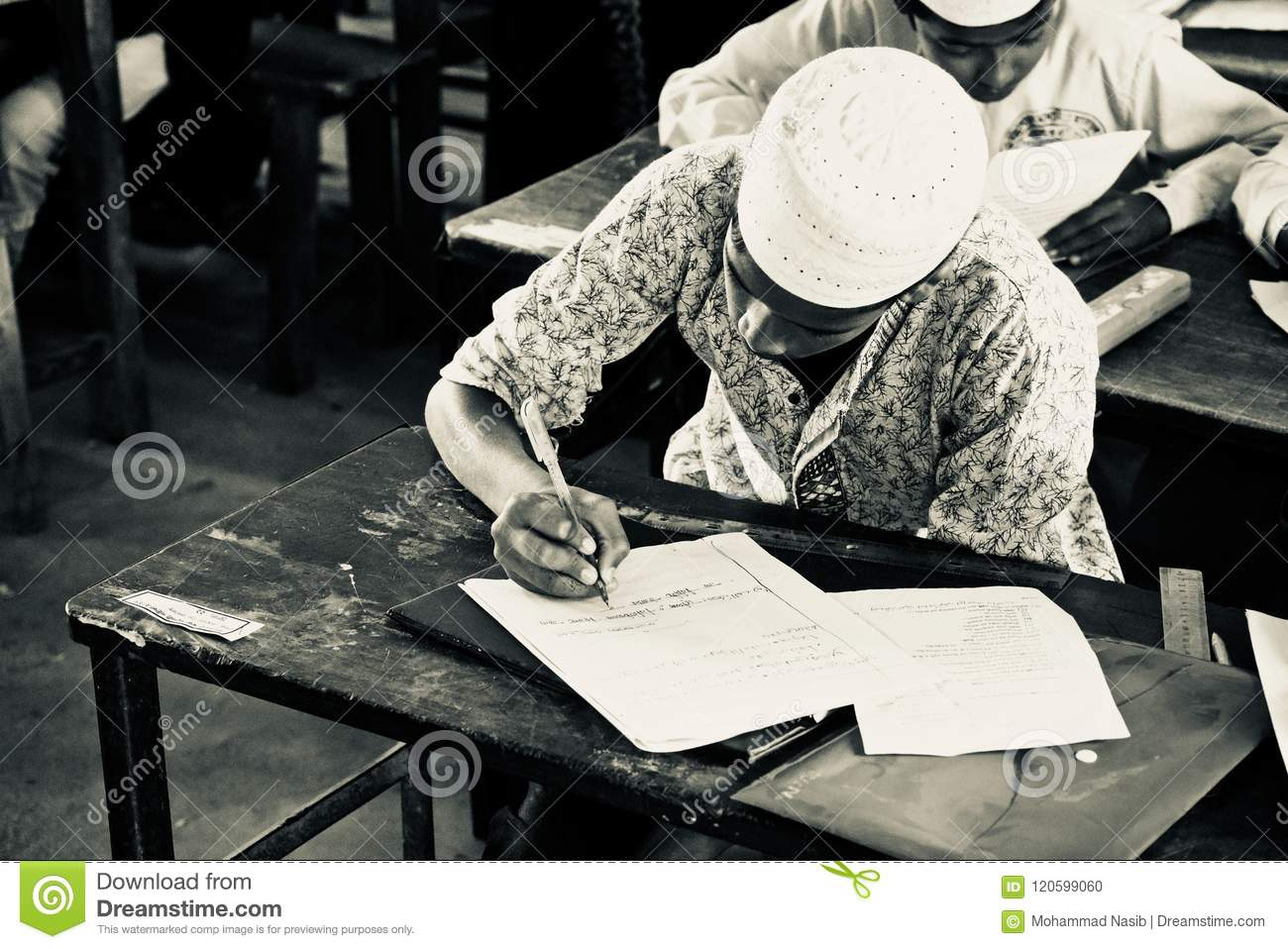 Download Bangladesh Children Seats For The Examination In The School Editorial Image - Image of inside, black: 120599060