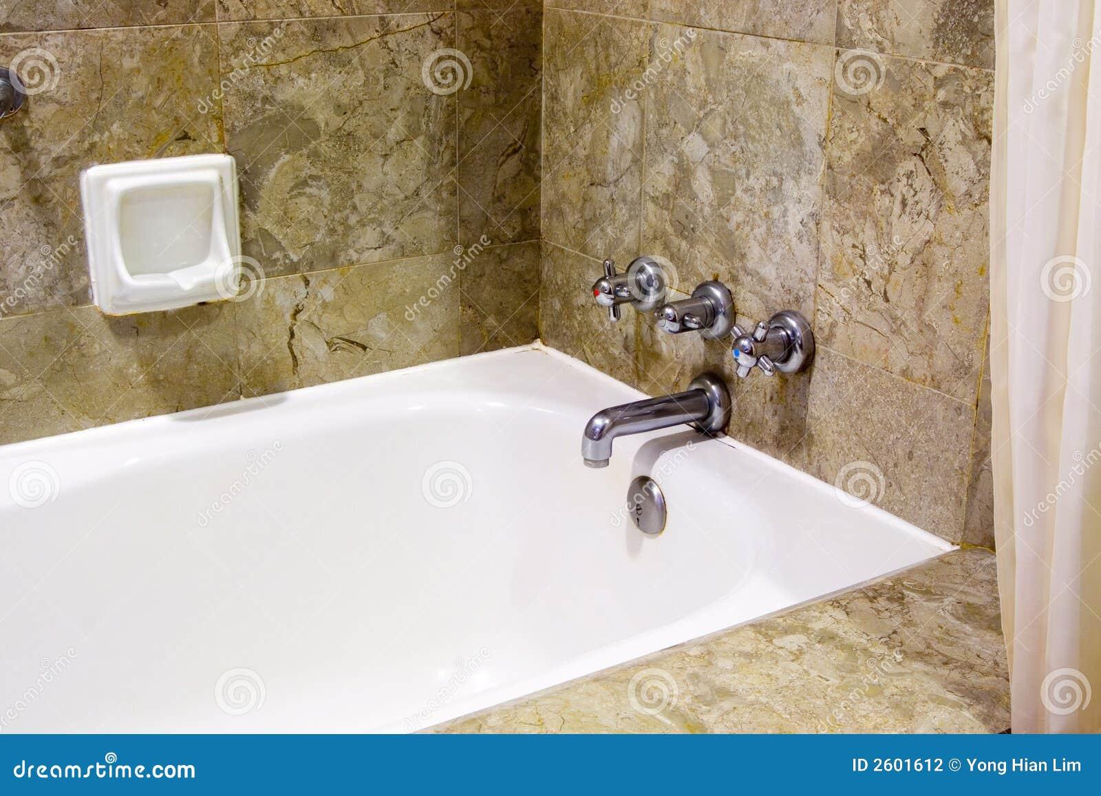 Banheira No Banheiro Do Hotel Fotografia de Stock Imagem: 2601612 #83A328 1300x957 Banheira No Banheiro
