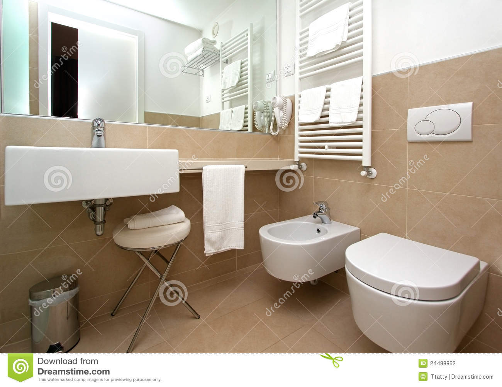 Banheiro Bege Moderno Fotografia de Stock Imagem: 24488862 #82A328 1300x1018 Banheiro Bege Moderno