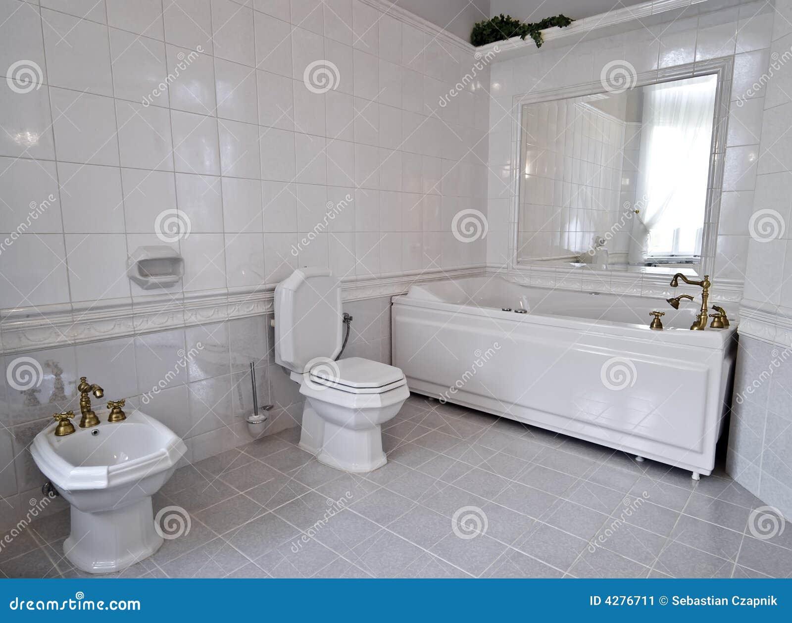Banheiro Branco Imagem de Stock Imagem: 4276711 #6A614A 1300 1040