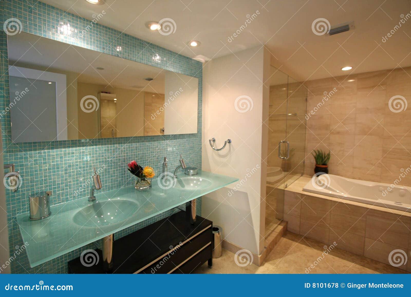 Banheiro Luxuoso Fotos de Stock Royalty Free Imagem: 8101678 #704928 1300x957 Banheiro Bonito De Marau