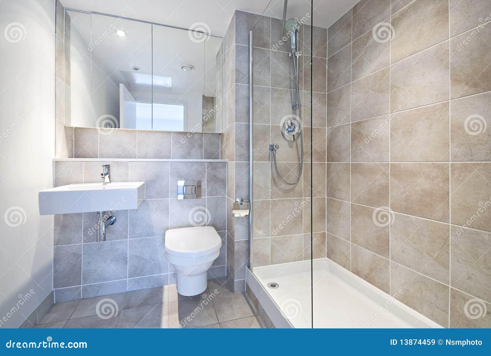 Banheiro Moderno Da Série Do En Com Grande Chuveiro Imagens de Stock Royalty  -> Banheiros Modernos Chuveiro