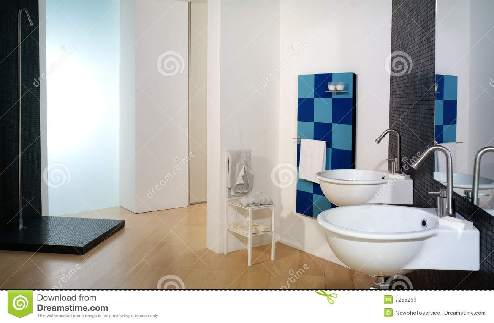 Banheiro italiano branco moderno luxuoso. #132F63 1300x866 Banheiro Branco Moderno
