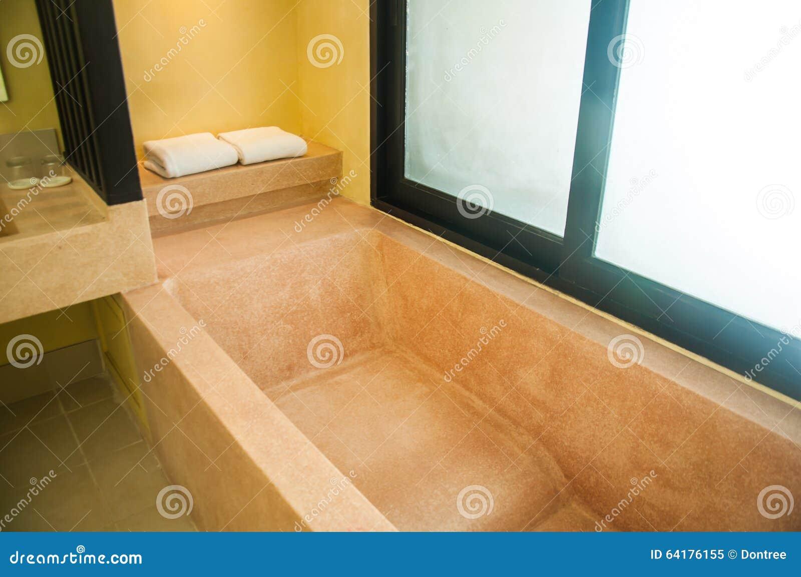 Design de interiores moderno simples do banheiro da banheira. #AB8220 1300 953