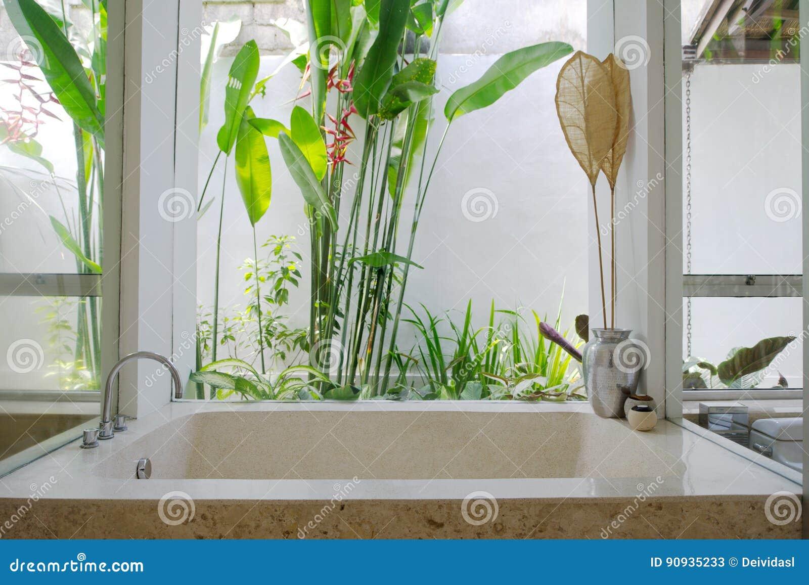 Banheiro Semi ao ar livre do recurso