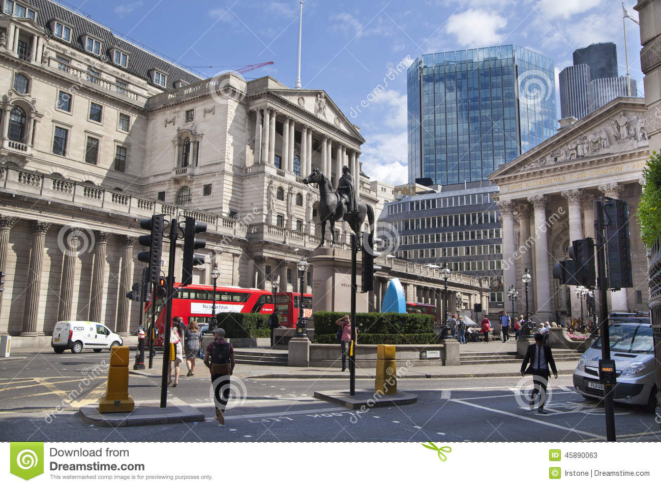 Bank of england square and underground station editorial for Time square londra